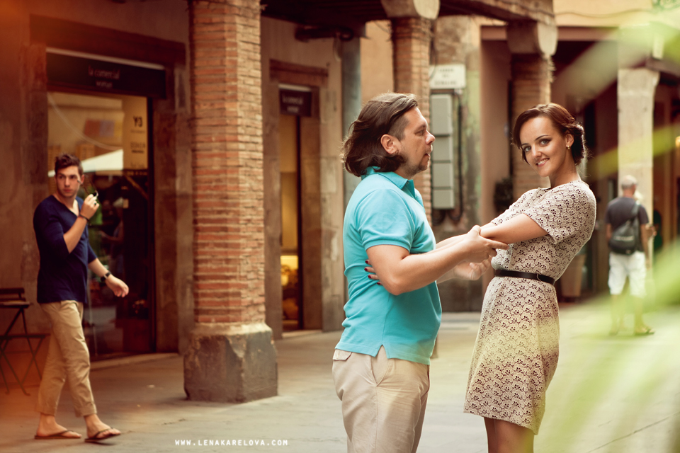 weddings and engagement story in barcelona by Lena Karelova Photography