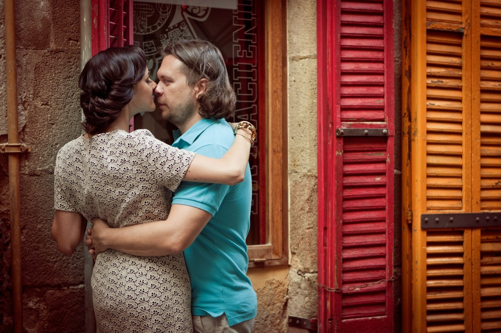 wedding and engagement photos in Barcelona by Lena Karelova photographer
