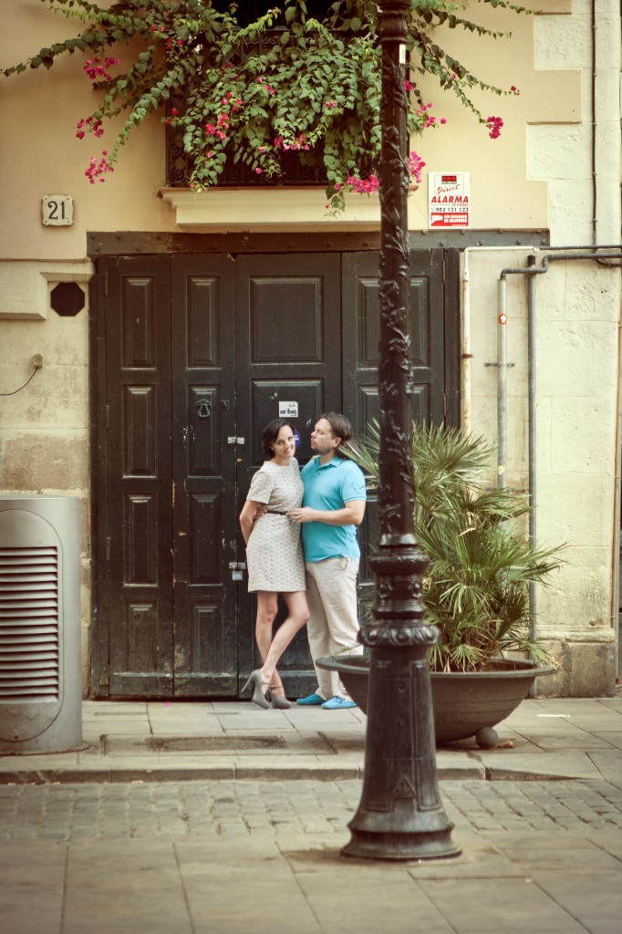 Wedding or engagement story in Barcelona byphotographer located in Barcelona  Lena Karelova