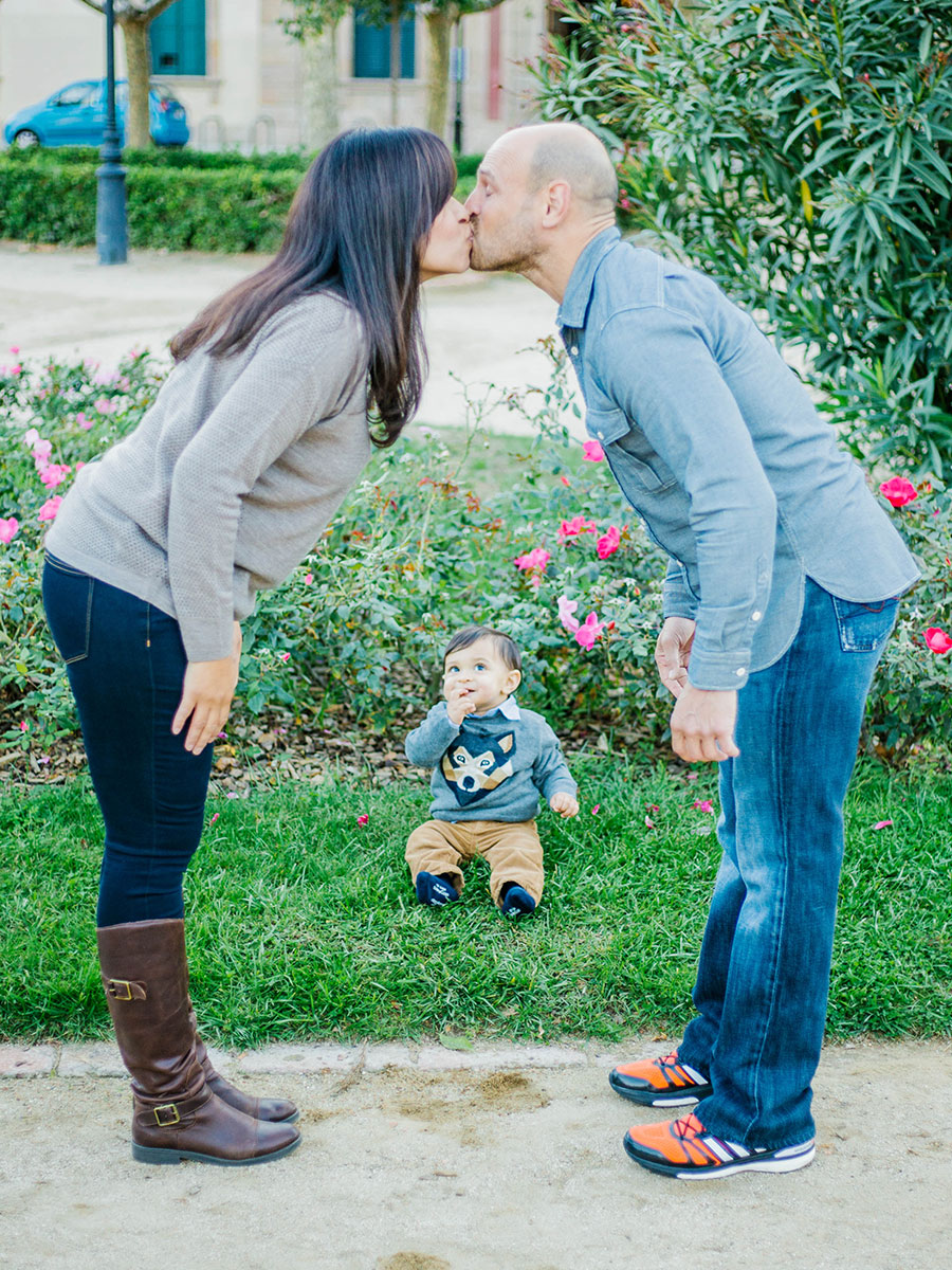 Barcelona family photographer - Ciutadella Park - Lena Karelova Photography