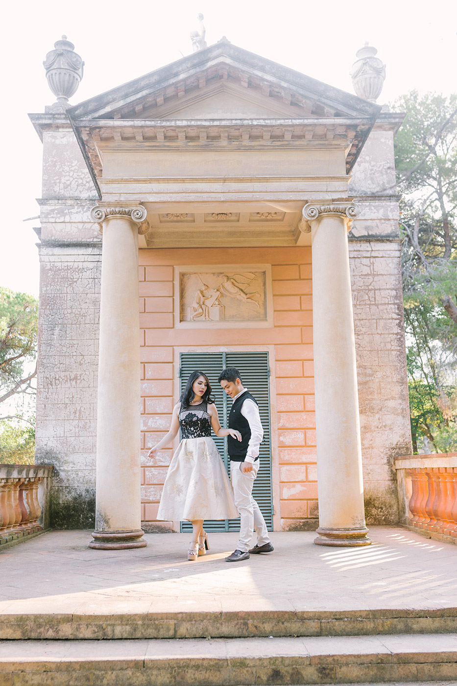 Lovely Elegant Couple Engagement in Barcelona | Fin Art Photographer | Lena Karelova Photography