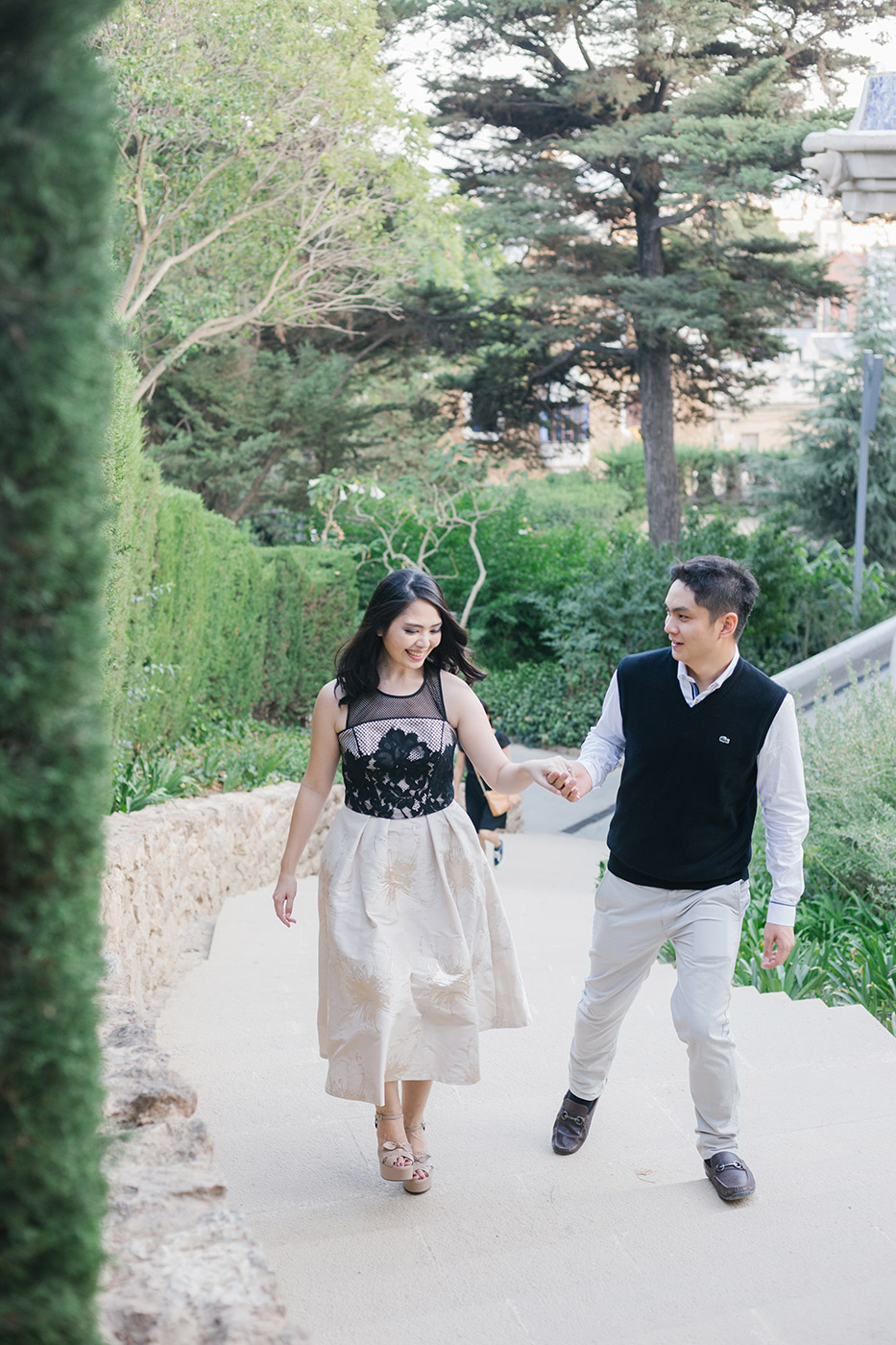 Romantic Engagement | Engagement Photographer Barcelona | Fine Art Photographer | Elegant pre wedding photoshoot Barcelona