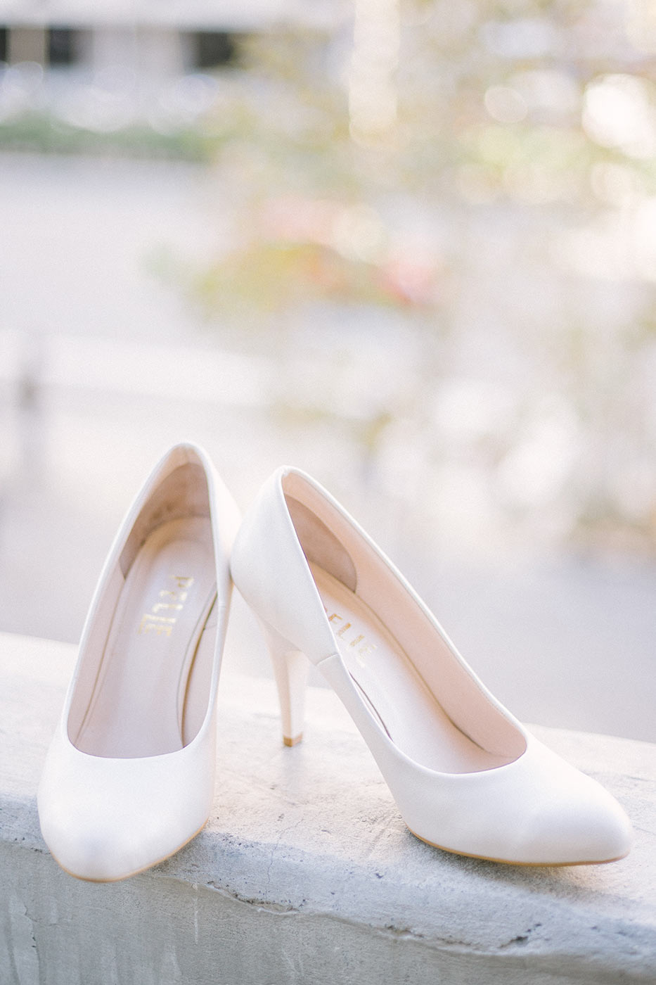 Bride's shoes | Fine Art Photographer | Lena Karelova Photography | Destination Wedding Photographer Barcelona |Film Wedding Photographer